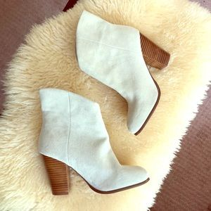 Suede Joe's Boots white sz 7